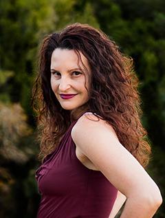Chloe Adler image