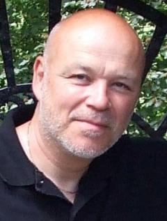 Simon Clark image