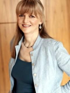 Ruth Downie image