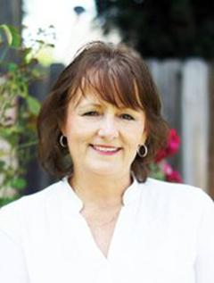 Bobbi Holmes image