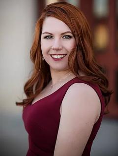 Megan Linski image