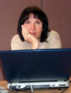 Karen Traviss image