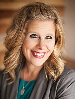 Courtney Walsh image
